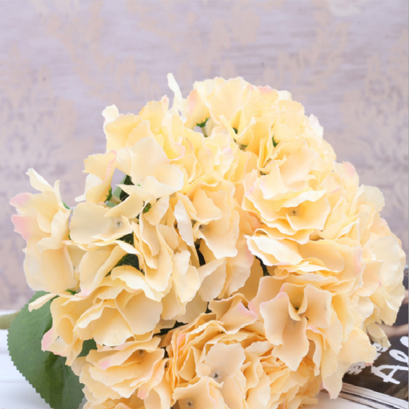 (1 Bunch of 5 flowers )  Artificial Silk Hydrangea Bouquet Fake Flowers Arrangement Home Wedding decor (Light Purple)