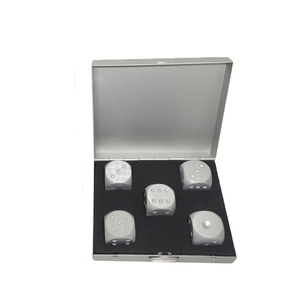 5PCS Aluminum Alloy Dice Portable Indoor Entertainment Games Dice Set Package: Square silver