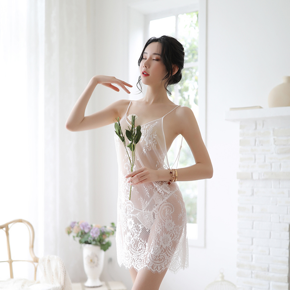 Woman Sexual Front See-through Lace Sling Nightdress + Underwear Sexy Underwears Suit  red_Free size