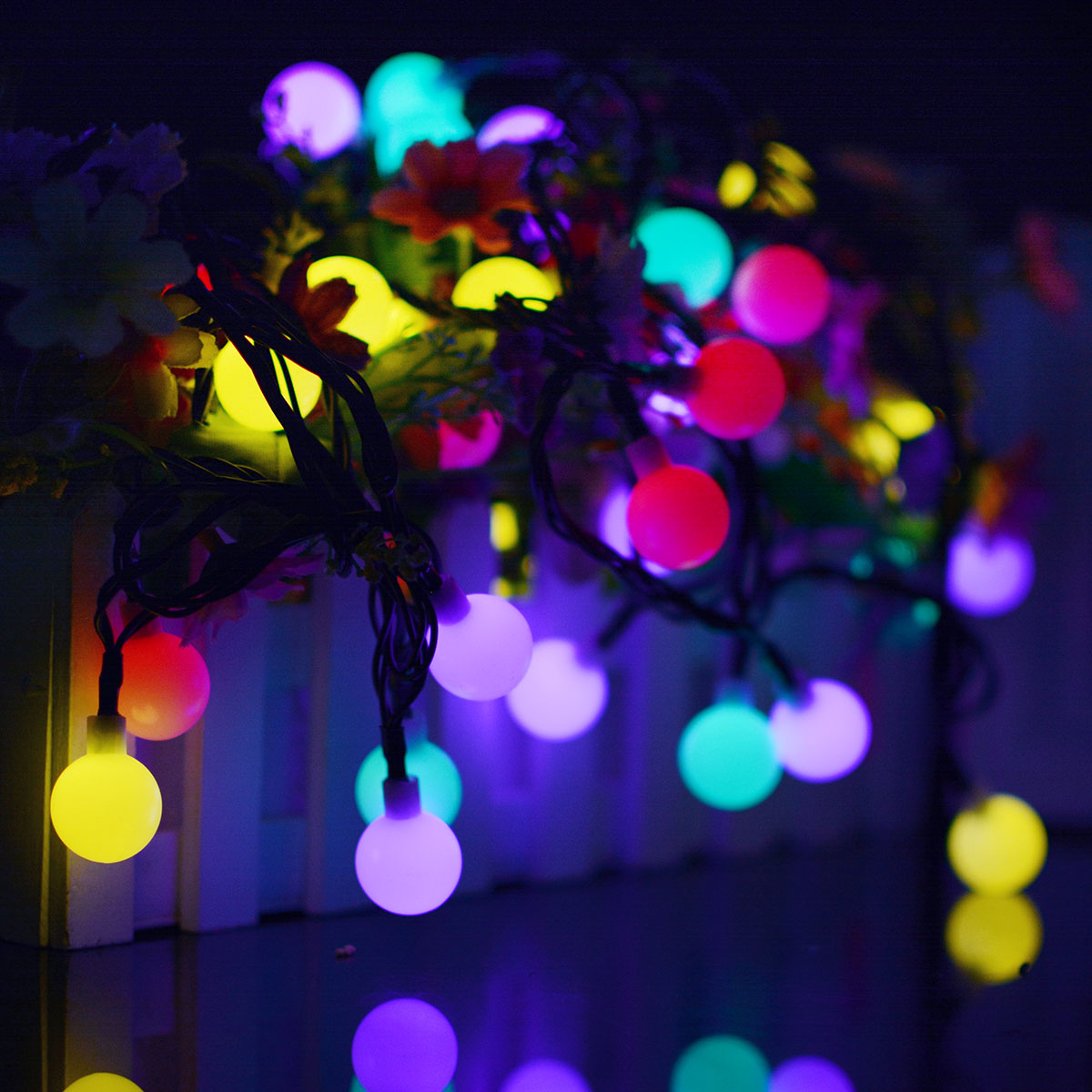 30LEDs/60LEDs 6M/10.5M Solar Powered LED Christmas Light Ball String Light for Home Garden Lawn Party Decor 30 lights white ball-8 mode - color
