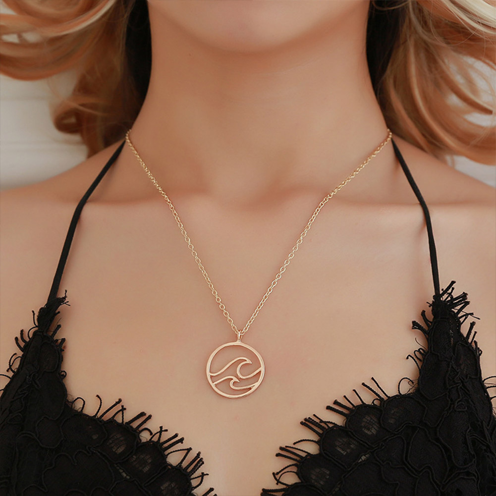 Women Stylish Simple Wavy Design Necklace with Round Pendant