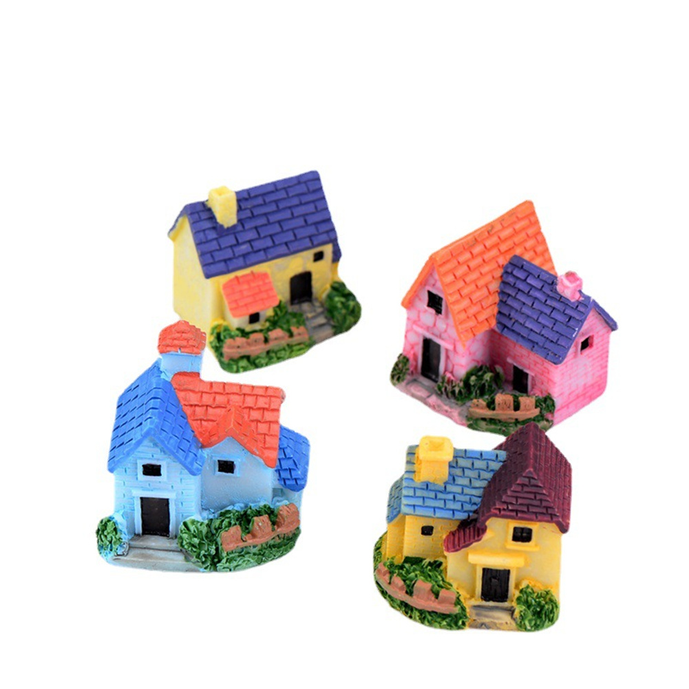 Resin Mini Fairy Tale Garden Thatched House Mini  House Decoration Ornaments Random color