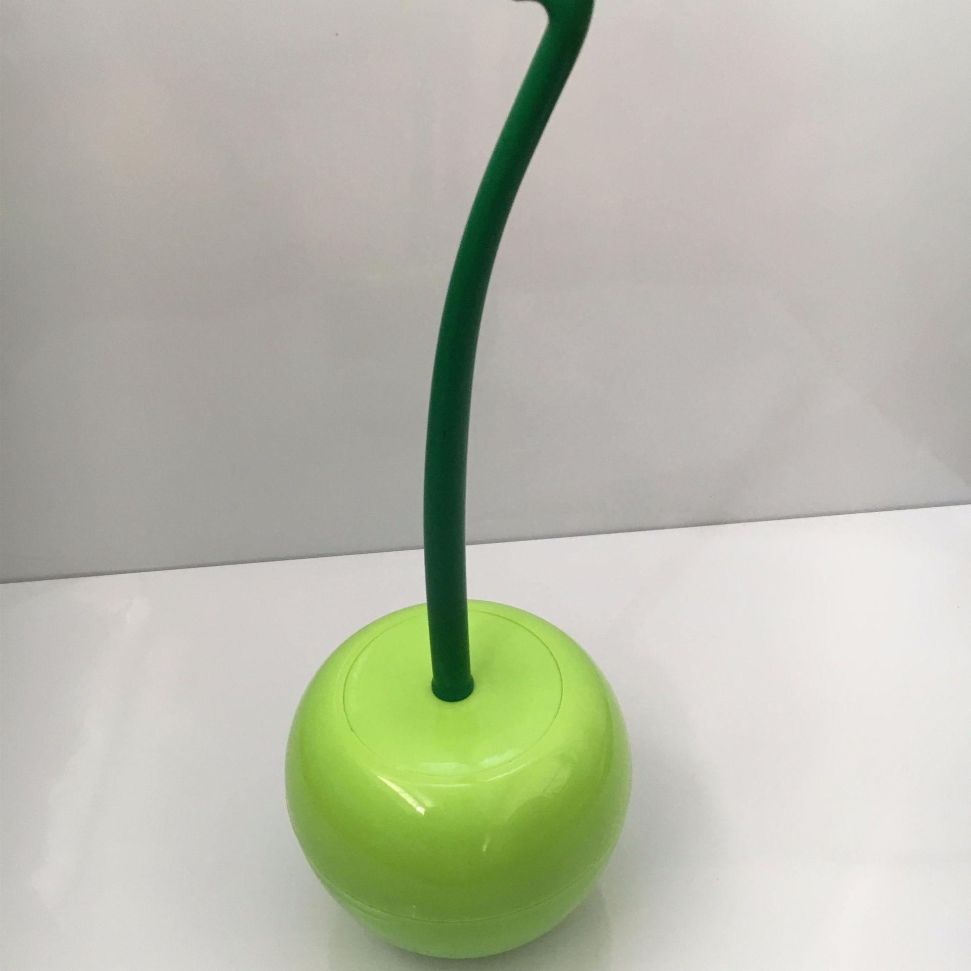 Creative toilet brush cherry toilet brush plastic toilet brush set Green white brush head_39*14*14