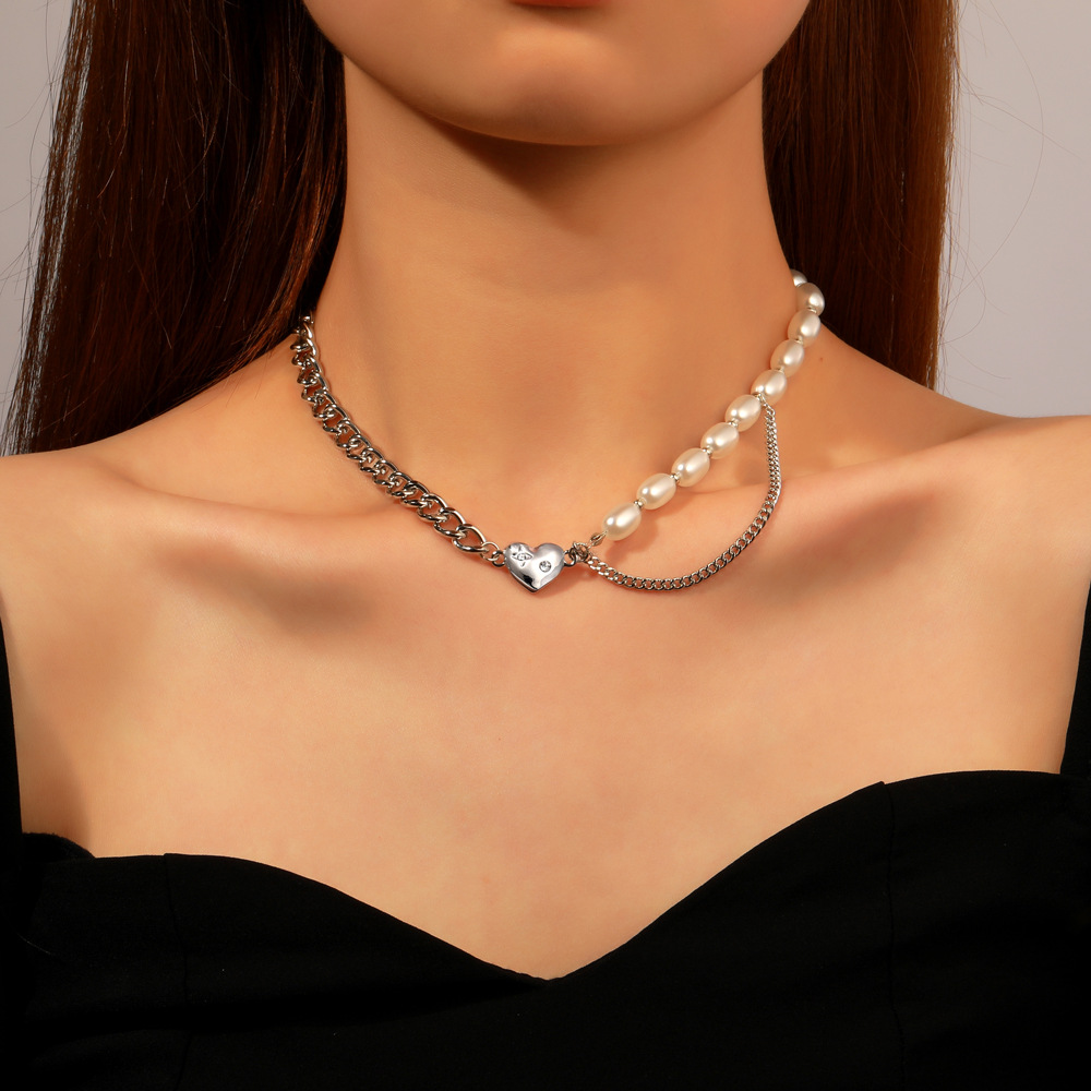 Necklace Creative Personality Alloy Metal Pearl Stitching Retro Heart-shaped Pendant Clavicle Chain Silver