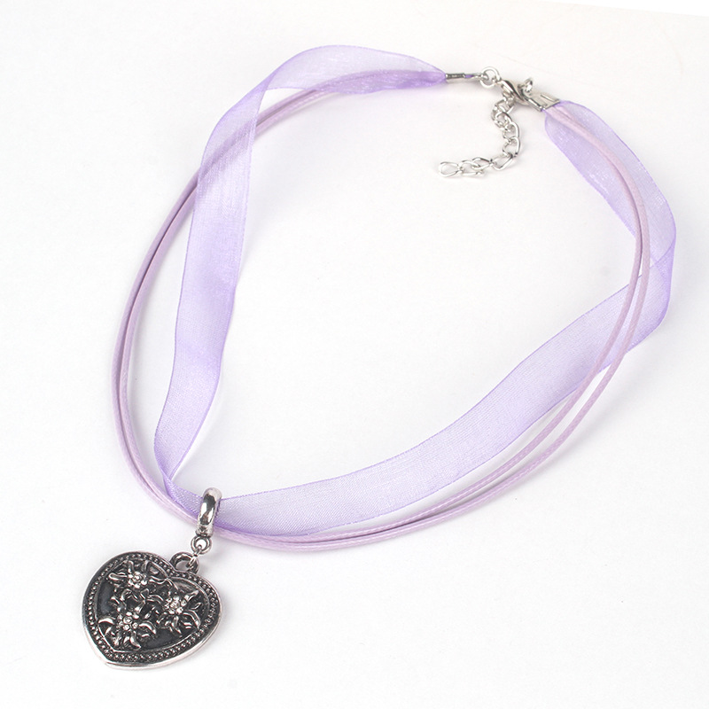 [EU Direct] Women Girl Oktoberfest Bavarian Style Edelweiss Love-shaped Pendant Necklace purple
