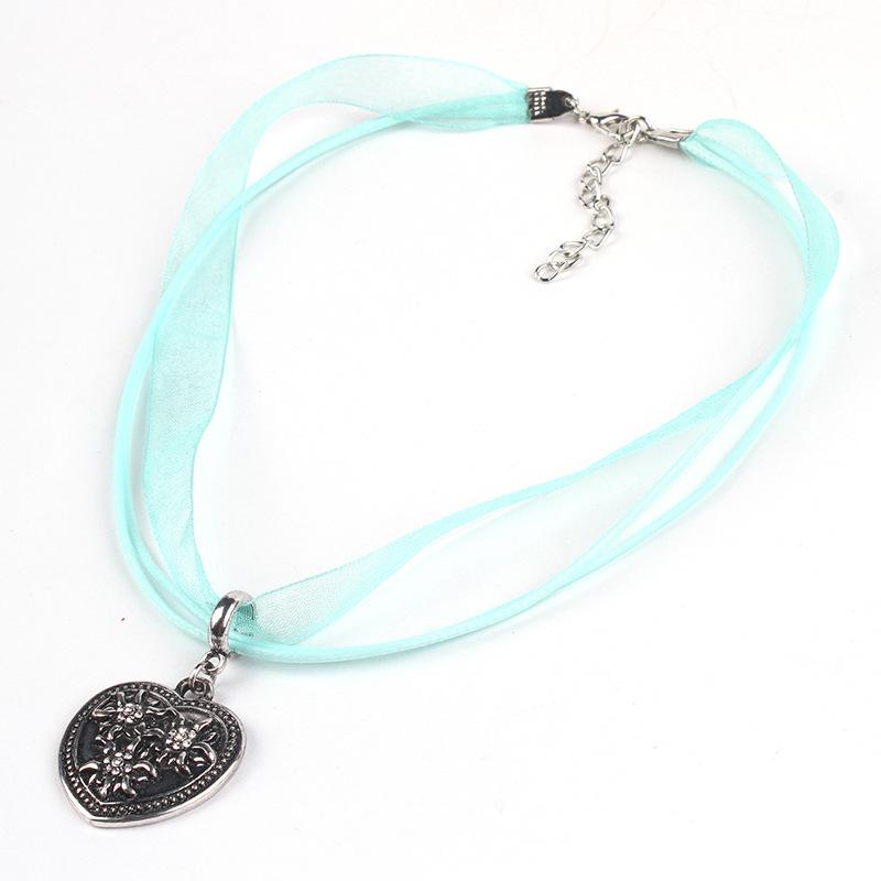 [EU Direct] Women Girl Oktoberfest Bavarian Style Edelweiss Love-shaped Pendant Necklace Lake blue
