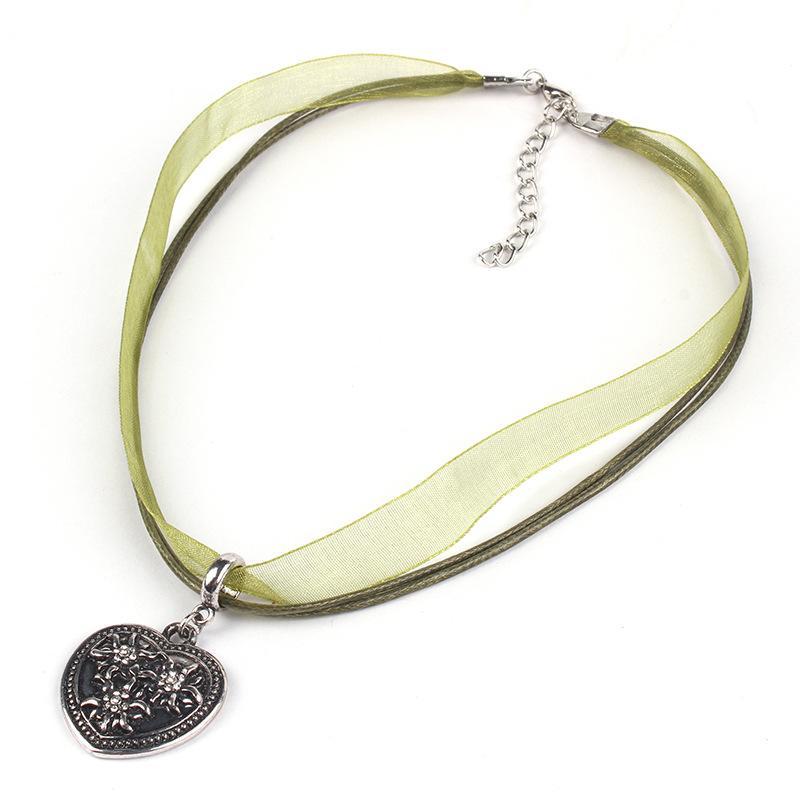 [EU Direct] Women Girl Oktoberfest Bavarian Style Edelweiss Love-shaped Pendant Necklace Olive green