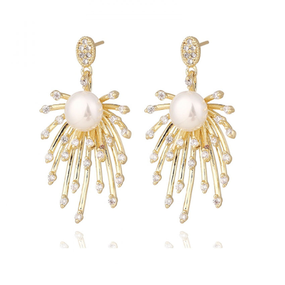 1 Pair of Women's Earrings Retro Style Exaggerated Firework-shape Earrings Golden