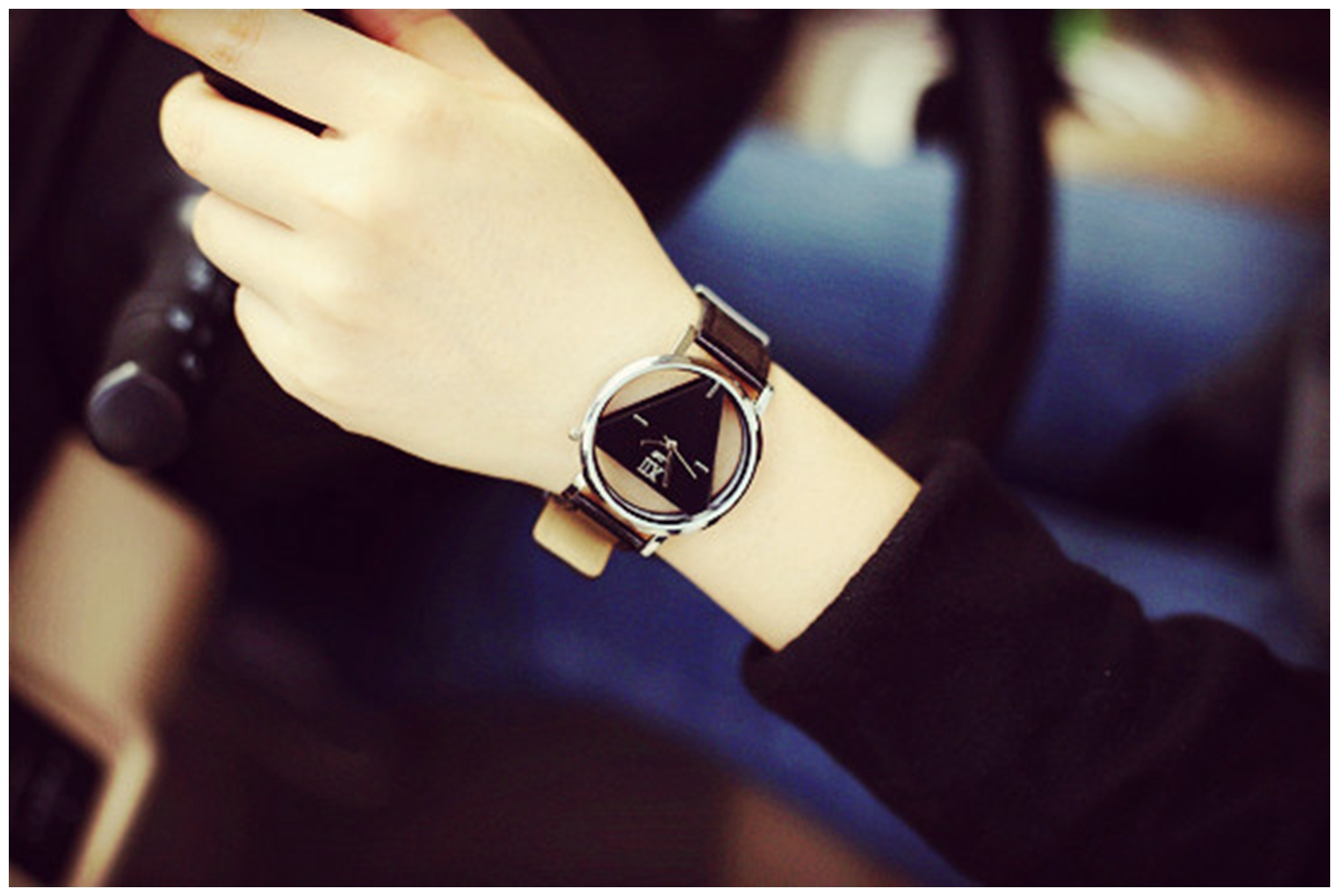 Hollow Triangle Quartz Wristwatch