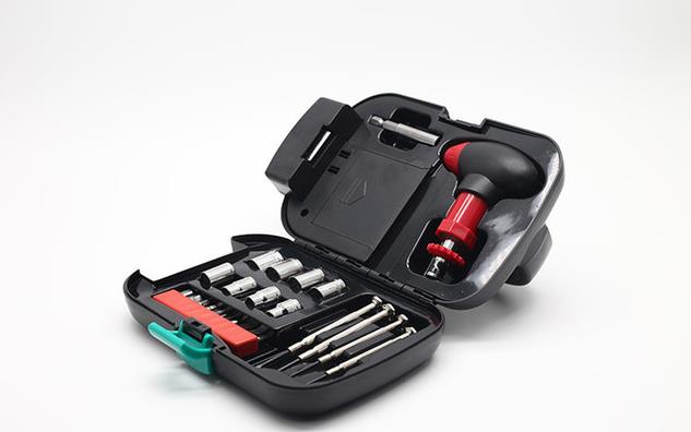 24pcs Multi-function Auto Car Repair Tools with Light Socket Ratchet Wrench Screwdriver Emergency Tool Box black