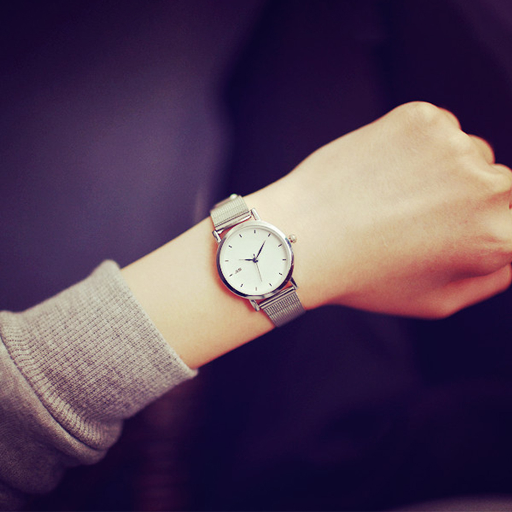 Women Fashion Round Dial Simple Style Casual Quartz Watch