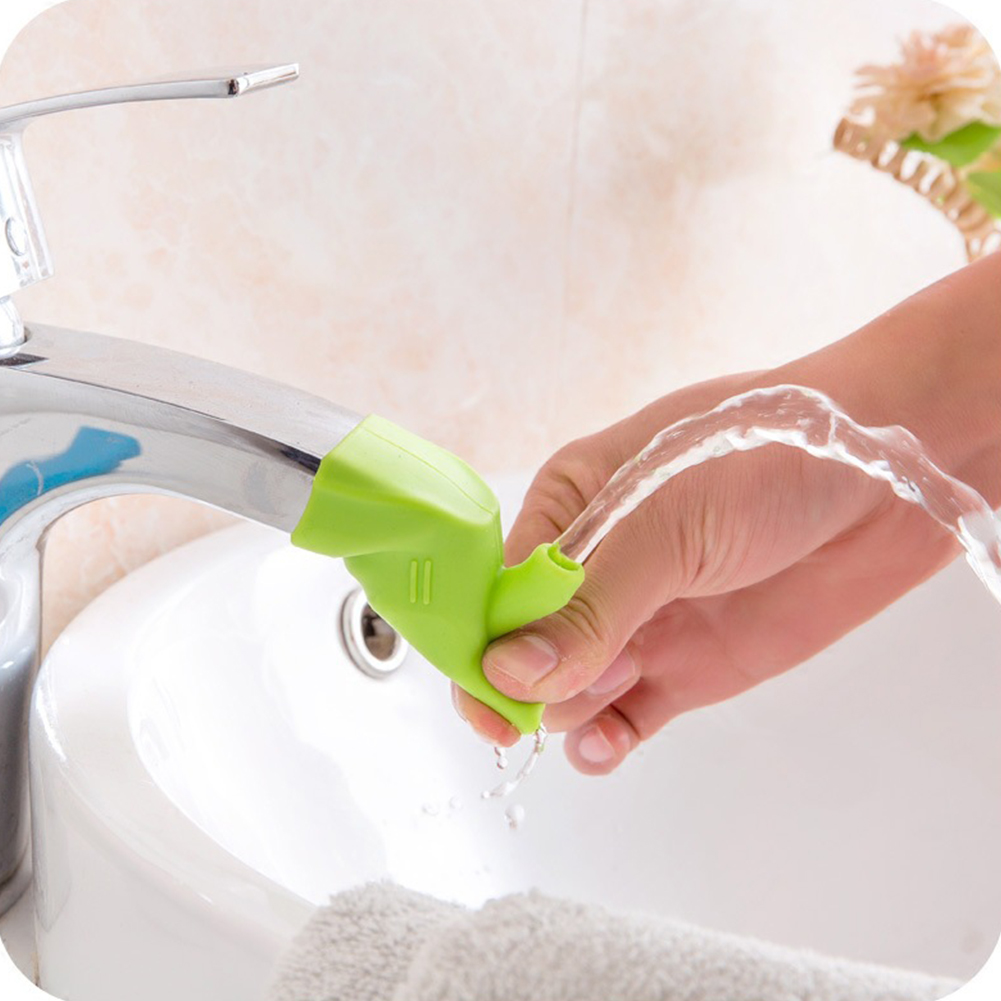 Universal High Elastic Silicone Water Tap Extender for Kids Washing Faucet Guide green
