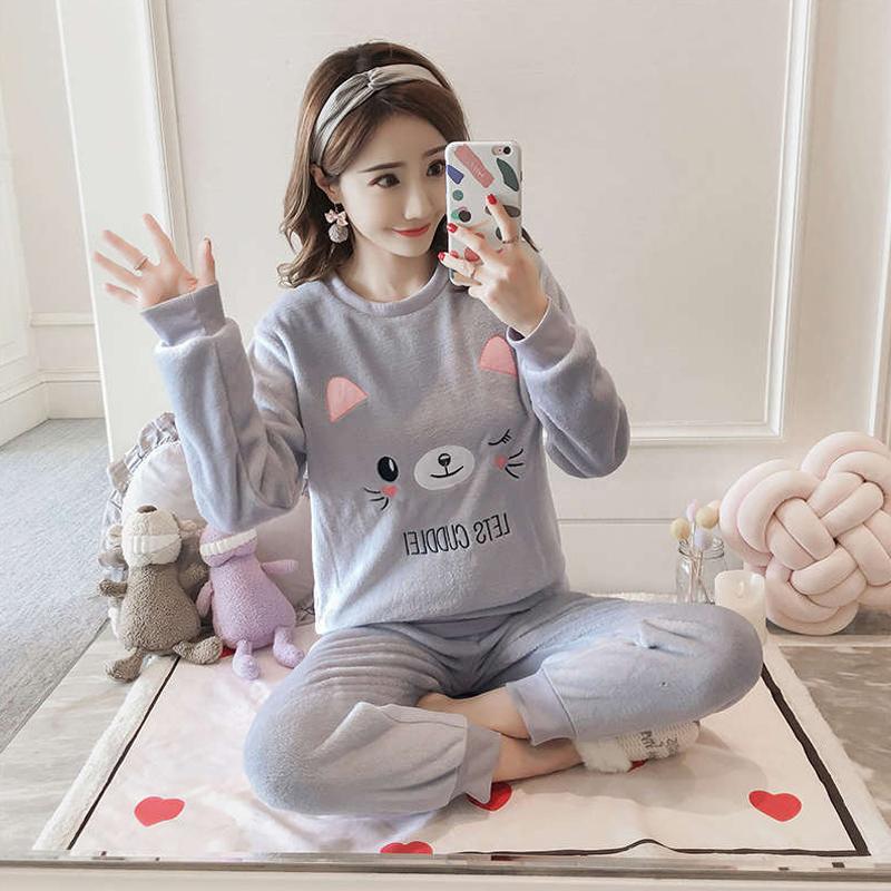 Women Lovely Coral Velvet Long Sleeves Thickened Flannel Home Suit Pajamas for Autumn Winter  Gray kitten_M