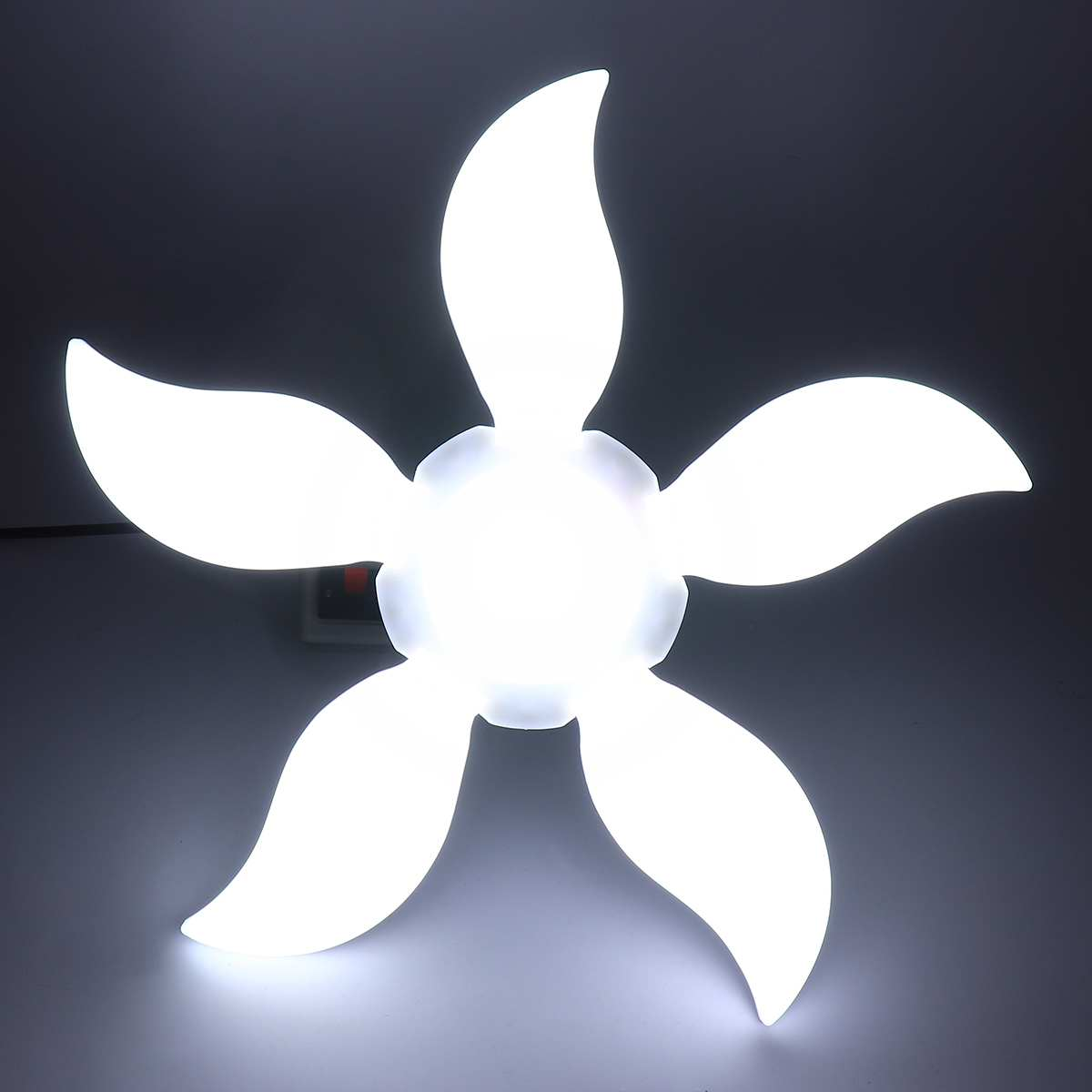 75W 140LED Garage Light 5-leaf Folding Deformable 4800LM E27 Fan Shape Ceiling Workshop Lamp