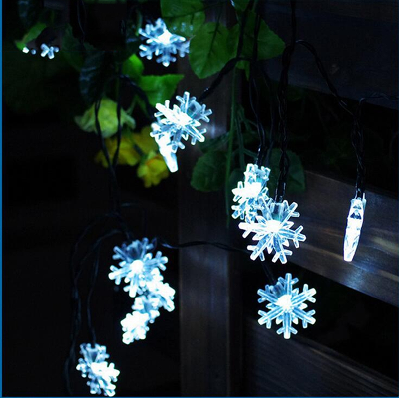 Solar String Lights,20 LED 15 Feet Snowflake Solar Powered String Lights  Warm White