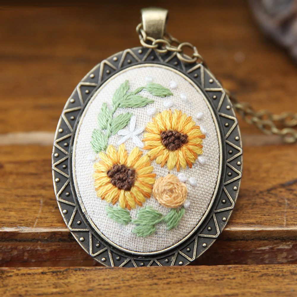 Embroidery  Pendant  Kit Embroidered  Pendant Necklace With Needle Thread For Diy Art Crafts 7#_30*40mm
