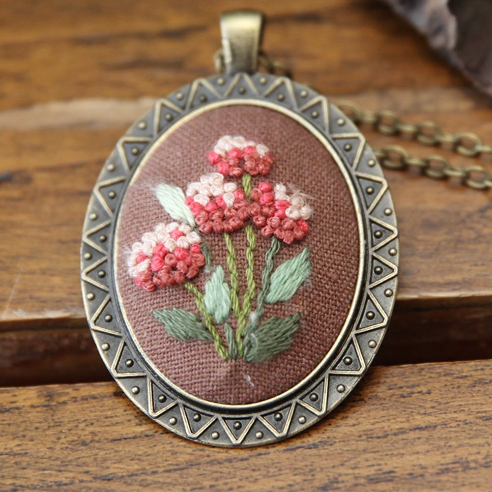 Embroidery  Pendant  Kit Embroidered  Pendant Necklace With Needle Thread For Diy Art Crafts 8#_30*40mm