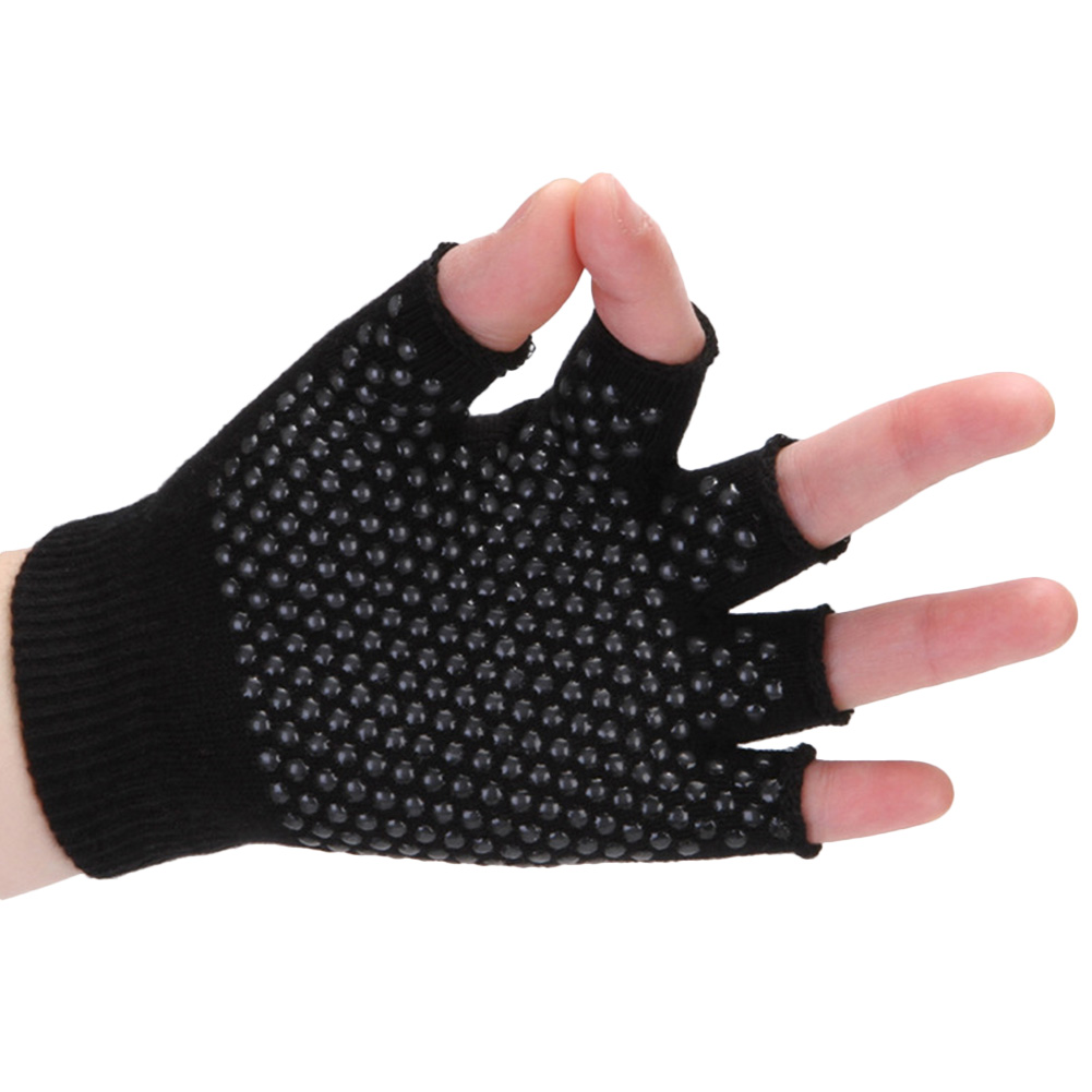 Comfortable Breathable Semi-finger Yoga Gloves Professional Non Slip Cotton Riding Gloves for Training & Workouts Black_one size
