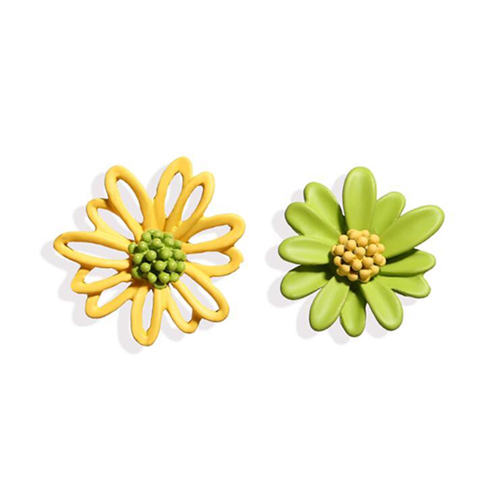 1Pair Women Flower Shape Earrings Asymmetric Daisy Ear Studs Yellow-green