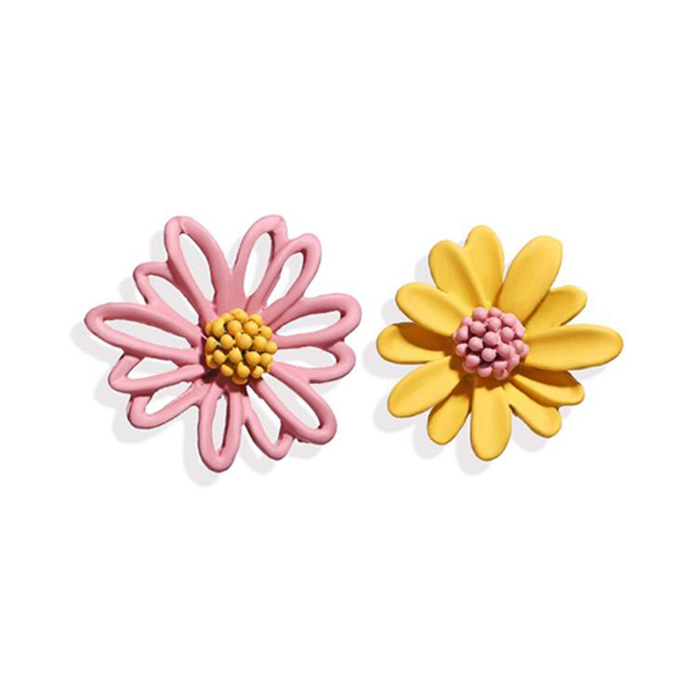 1Pair Women Flower Shape Earrings Asymmetric Daisy Ear Studs Pink yellow