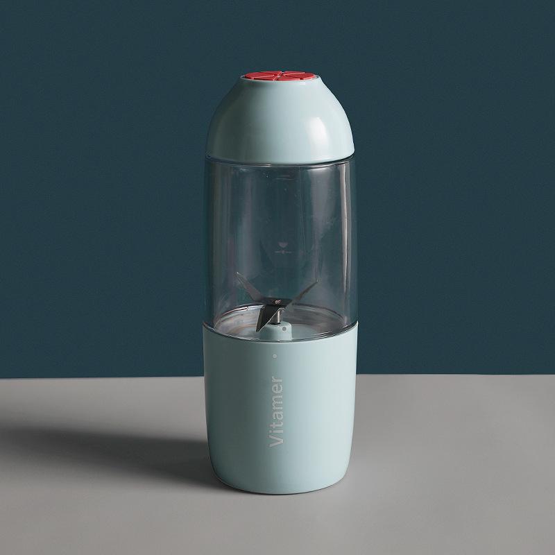 Portable Manual Juicer Mini Baby Juice Cup for Lemon Orange Juicing blue