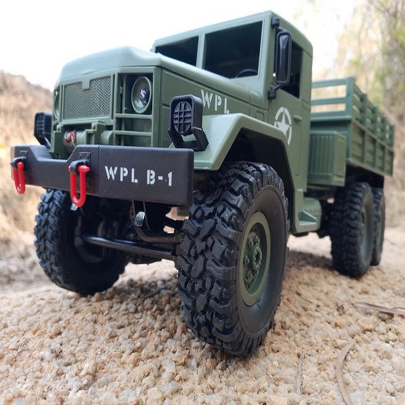 2.4G Remote Control Military Truck 6 Wheel Drive Off-Road RC Car Model Remote Control Climbing Car Gift Toy Military green car  with color box