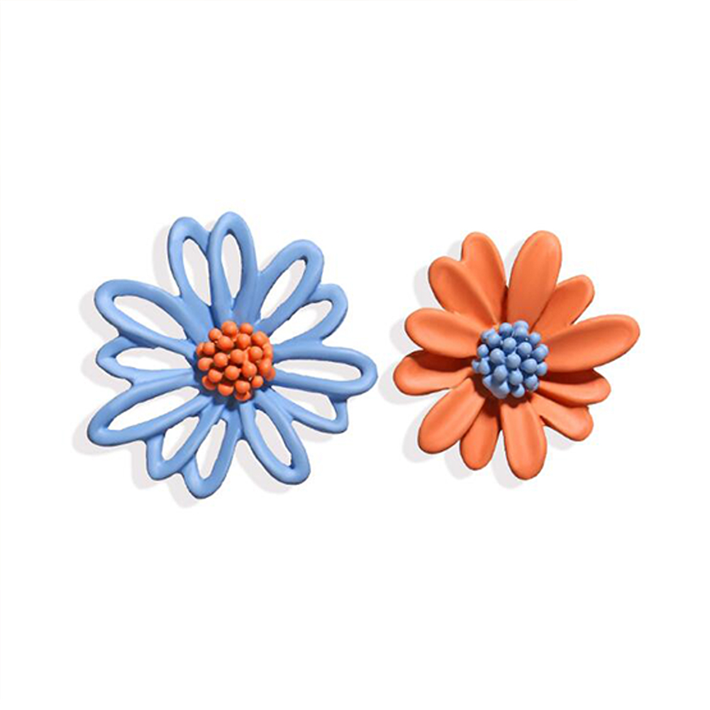 1Pair Women Flower Shape Earrings Asymmetric Daisy Ear Studs Blue orange