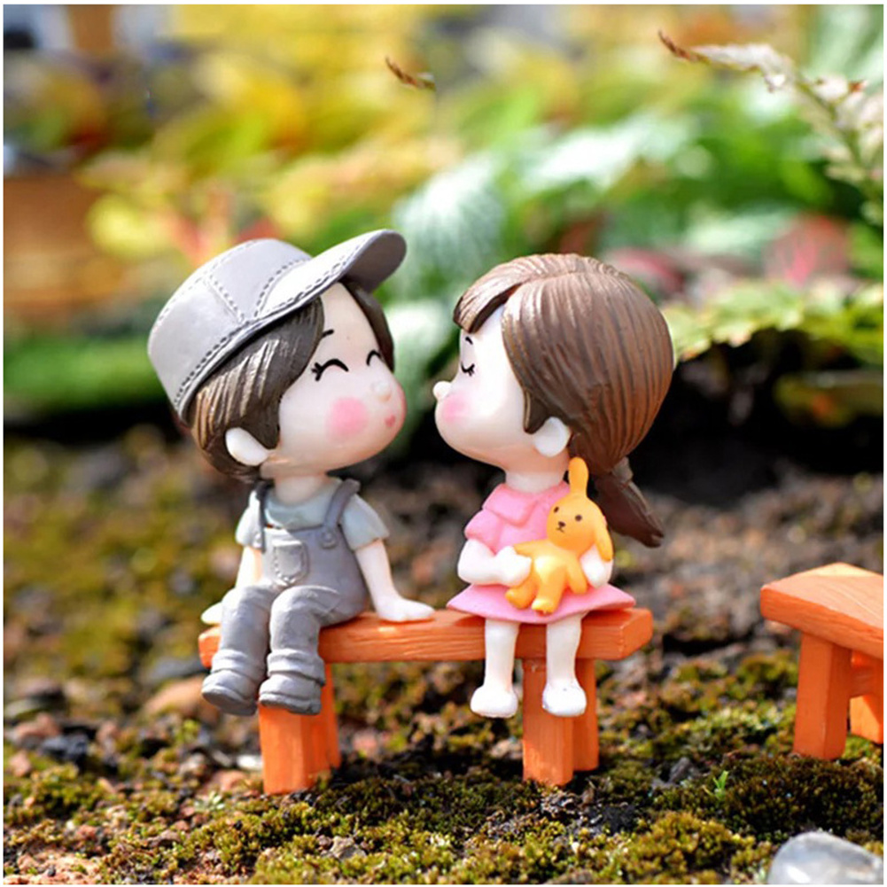 Pvc Kissing  Couple  With  Bench Miniature Dolls Ornaments Decorative Figure Male gray female gray couple + bench