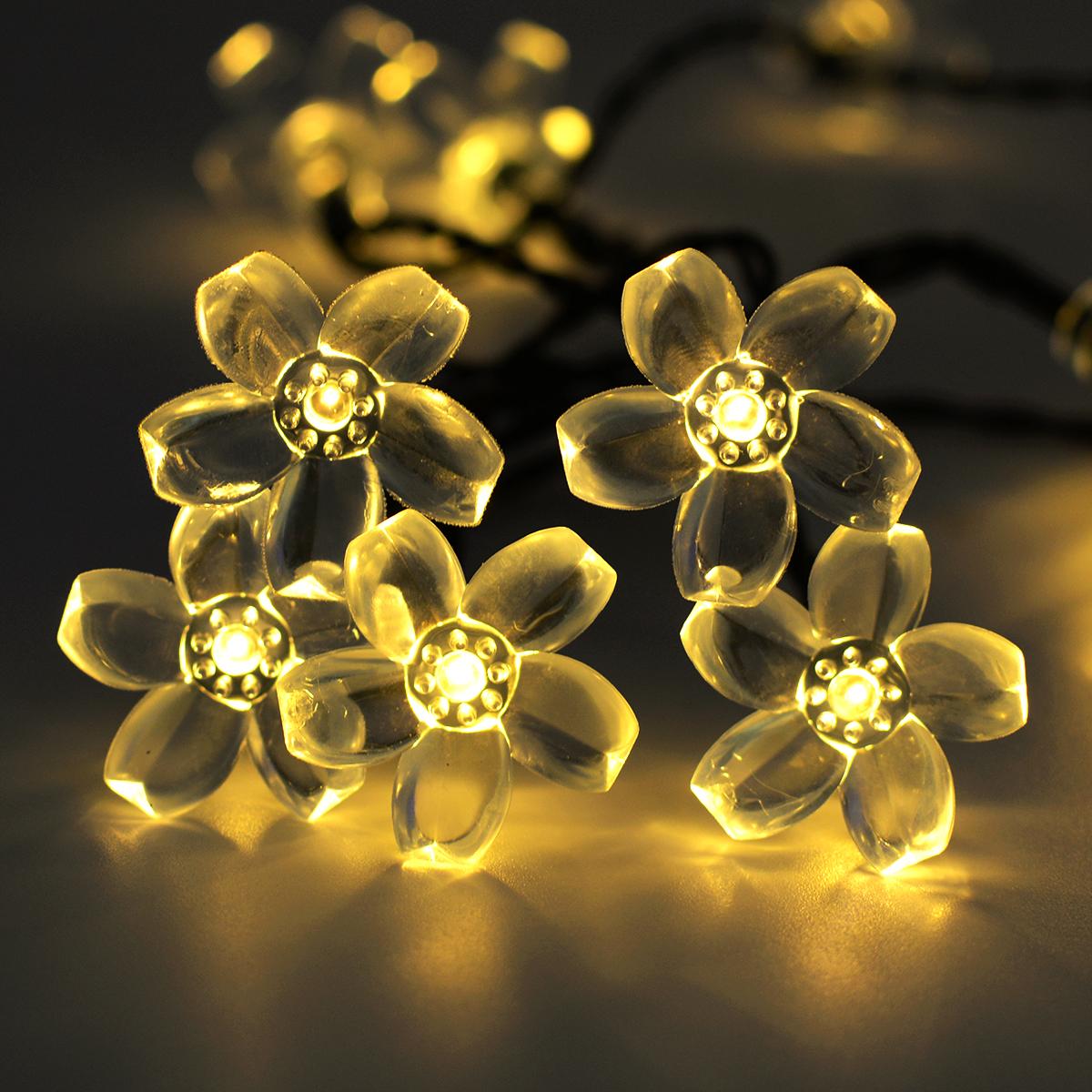 7M 50LEDs Waterproof Peach Blossom Shape Solar Powered String Light for Decor warm light_(ME0003902)