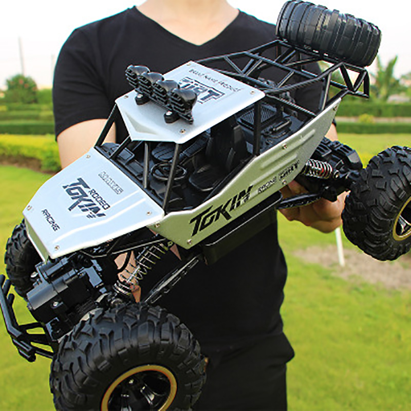 1:12 4WD RC Car Update Version 2.4G RadioHigh Speed Truck Off-road Toy Silver