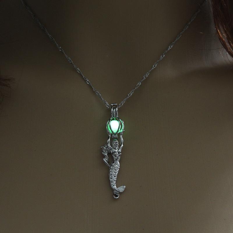 Luminous Alloy Open Cage Mermaid Skull Head Necklace DIY Pendant Halloween Glowing Jewelry Gift NY048-beauty