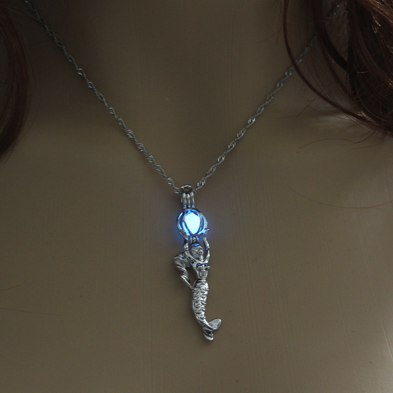 Luminous Alloy Open Cage Mermaid Skull Head Necklace DIY Pendant Halloween Glowing Jewelry Gift NY047-Beauty