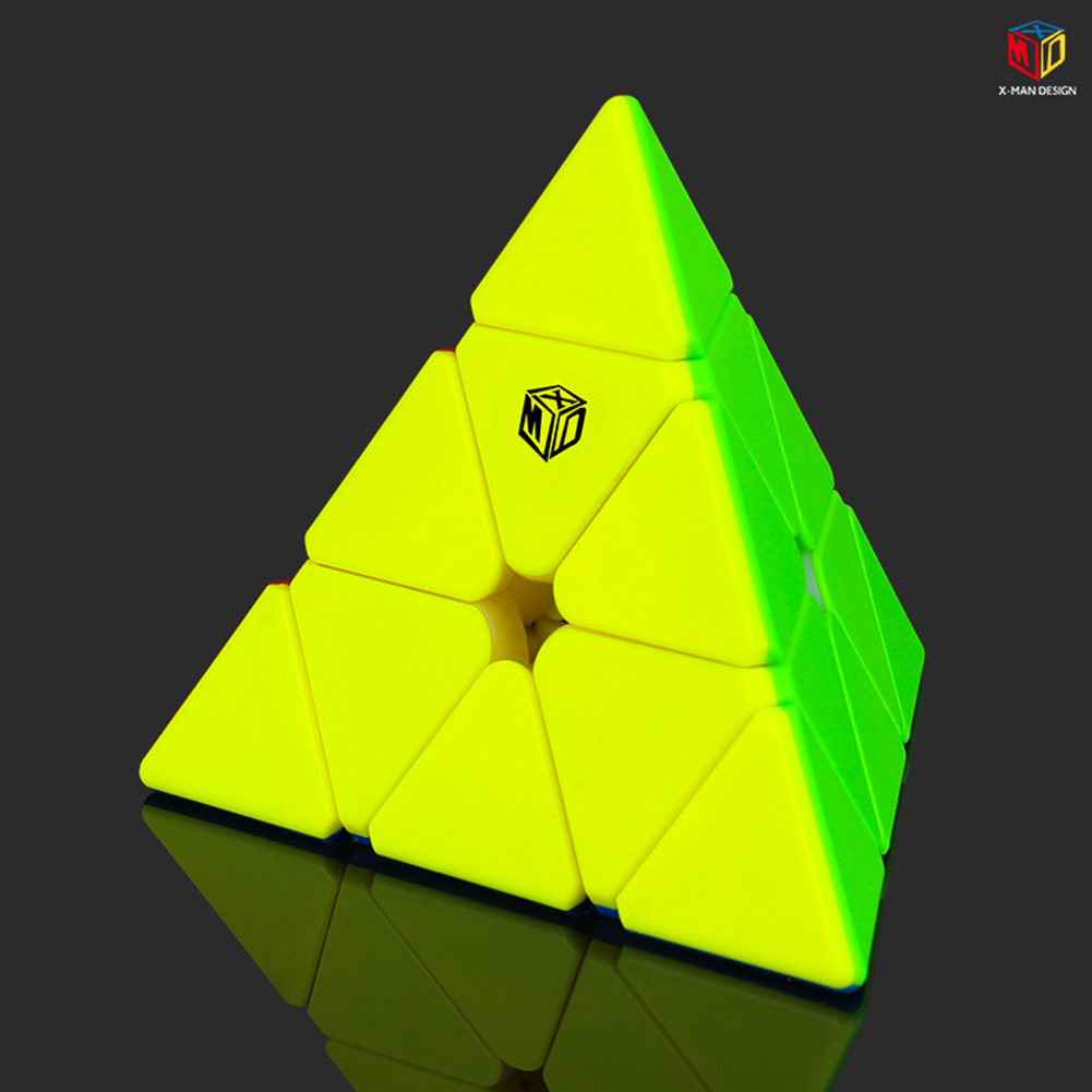 Qiyi XMD V2 Magic Cube Magnetic Pyraminx Magic Cube Smooth Speed Cube color