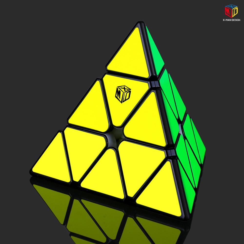 Qiyi XMD V2 Magic Cube Magnetic Pyraminx Magic Cube Smooth Speed Cube black