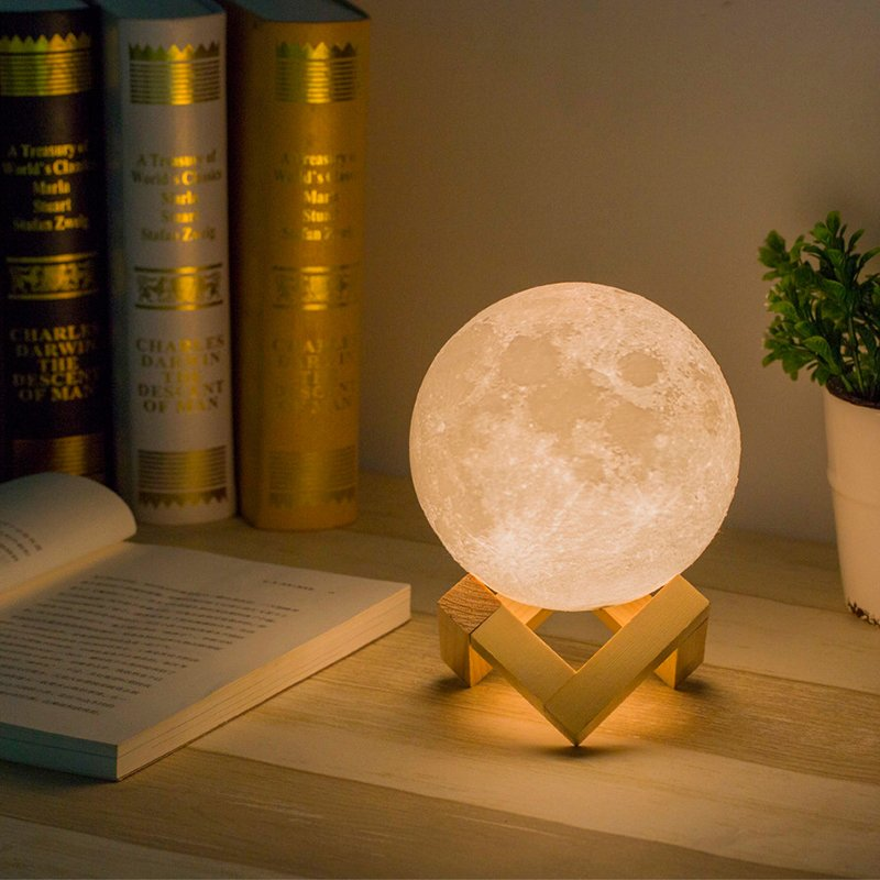 3D Moonlight Desk Lamp 18cm