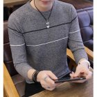 Man Long sleeves and Round Neck Top Slim Pullover Sweater with Strips Decorated gray_L
