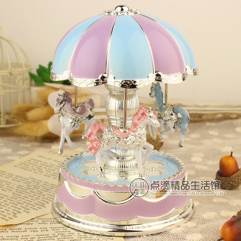 Romantic Dome Carousel Music Box for Room Decoration Blue and purple_10.5*10.5*15.5 cm