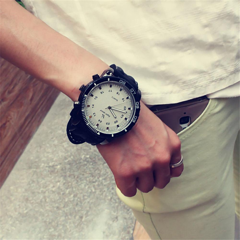Unisex Sports Watches Outdoor Fashion Quartz Watch Large Round Dial Wristwatch